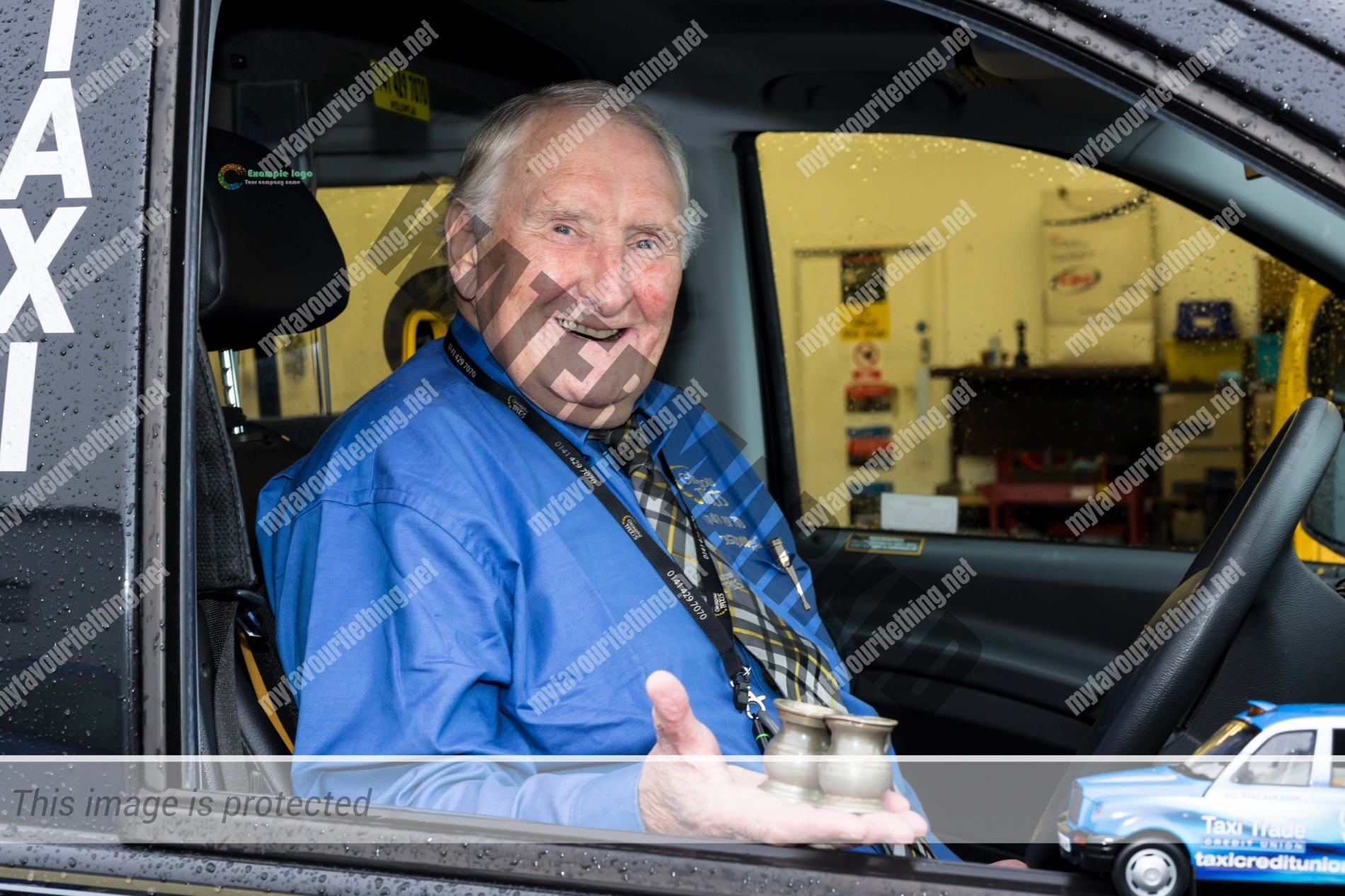 Tommy Drummond, Glasgow Taxi driver with old pub measures